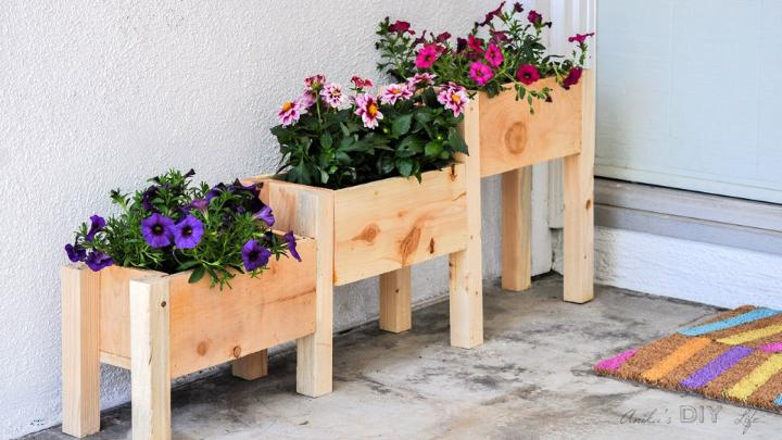 10 DIY Tiered Flower Bed