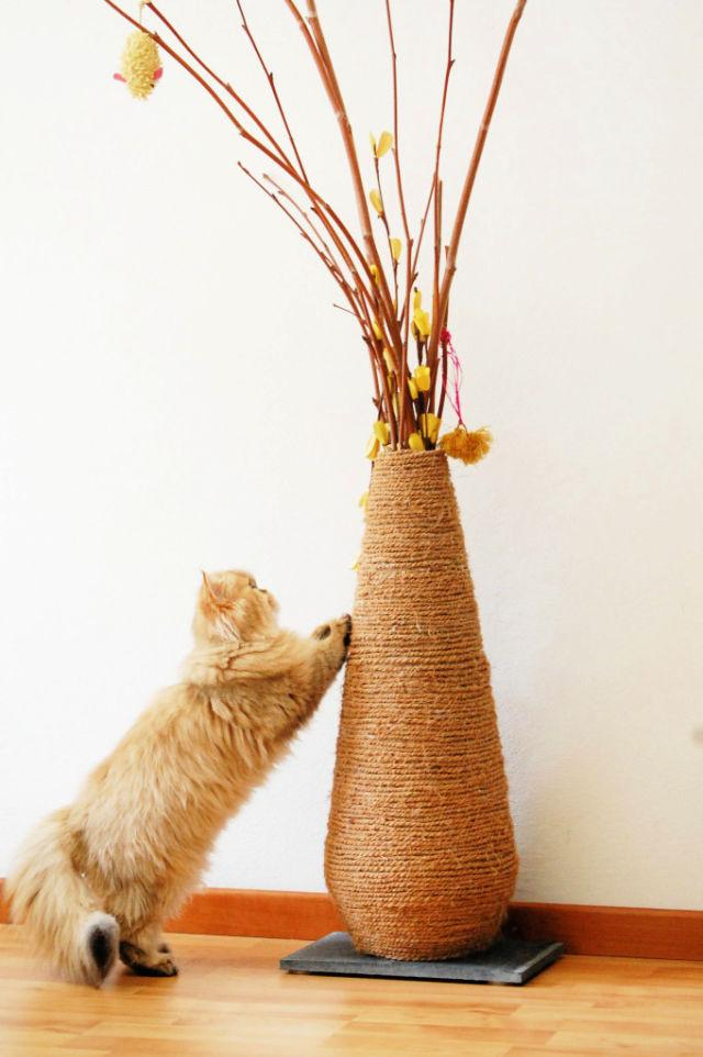 Cheap Vase Scratching Post