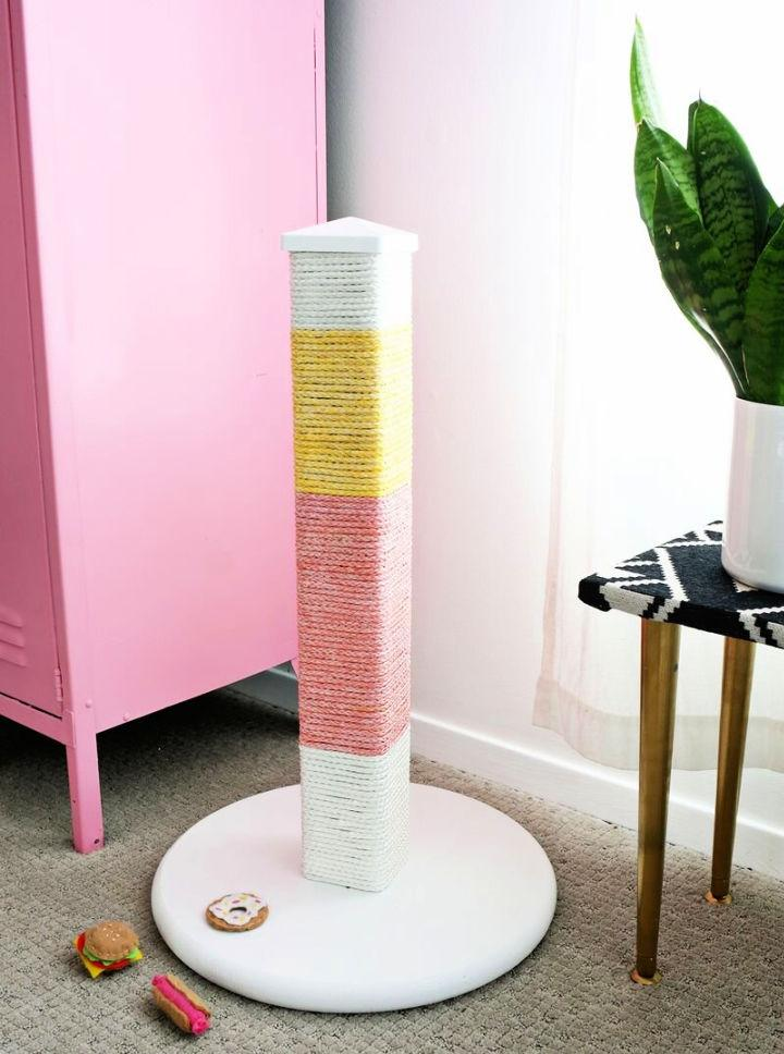 Colorblocked Tall Scratching Post