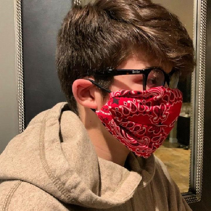 No sew Face Mask with a Bandanna and Hair Ties