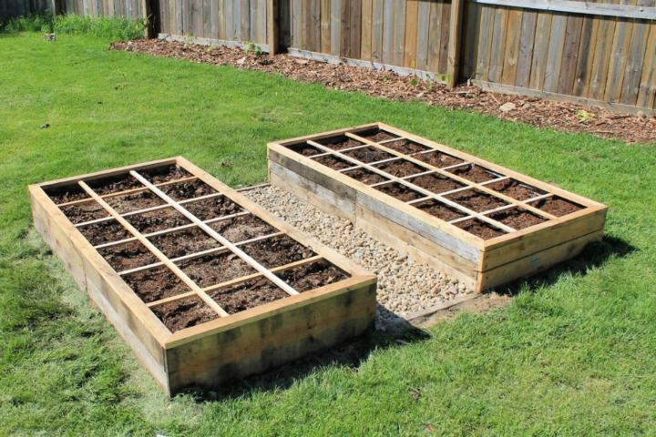 Raised Flower Beds Out of Pallets