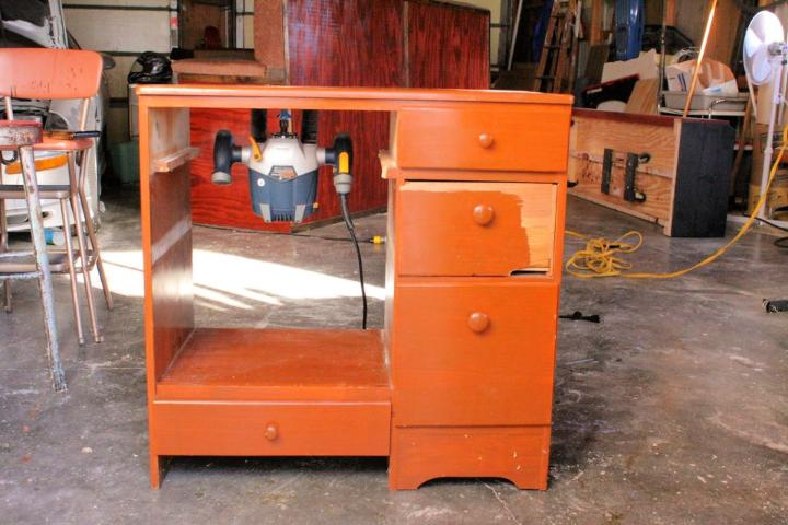 Router Table from Reclaimed Desk