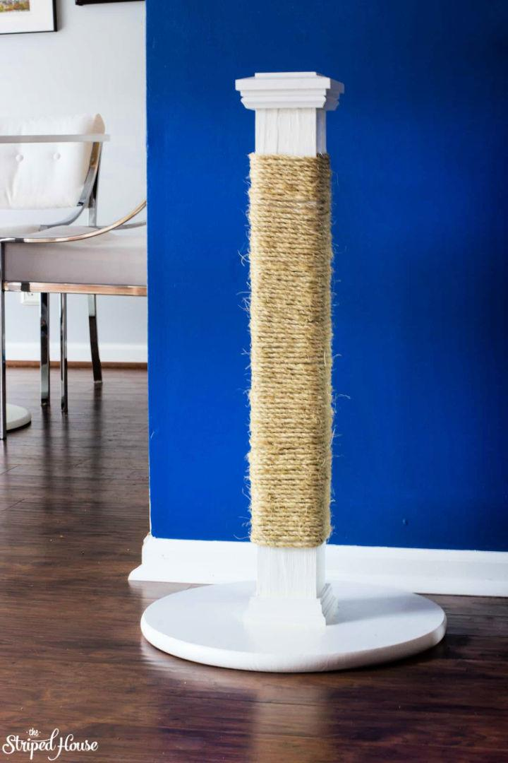 Scratch Posts For Large Cats