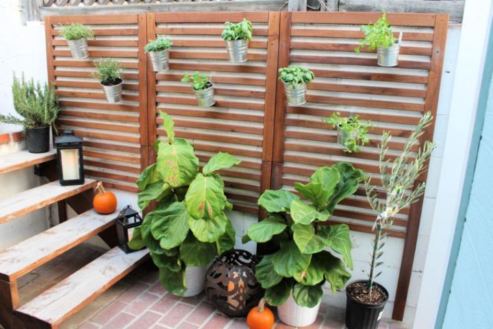 Wooden Slat Garden for Patio