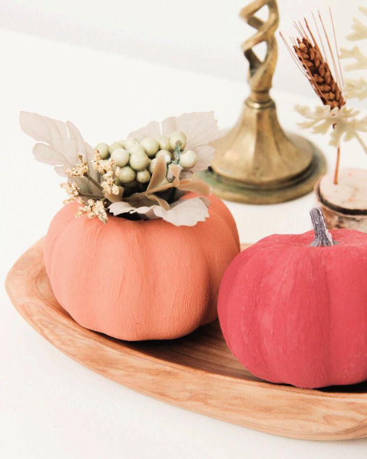 Faux Ceramic Pumpkins Using Paint