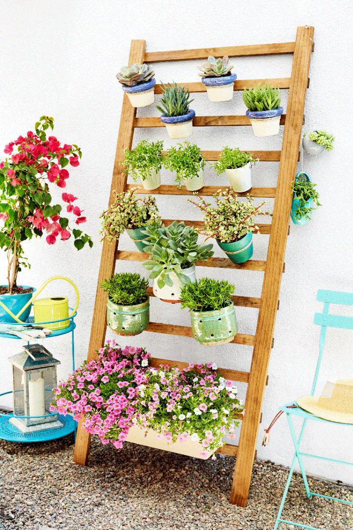 Vertical Garden in 3 Easy Steps