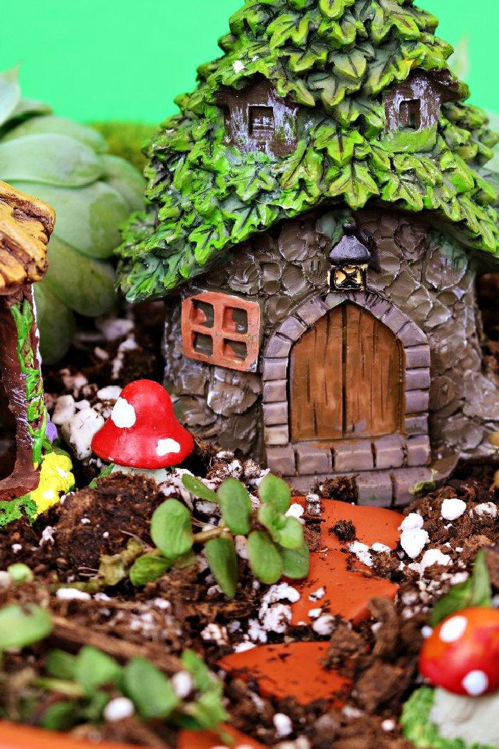Dollar Store Fairy Garden Pedestal