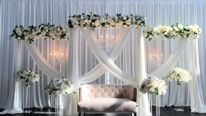 DIY White Floral Backdrop