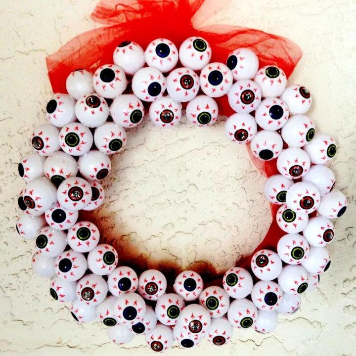 Easy Eyeball Halloween Wreath