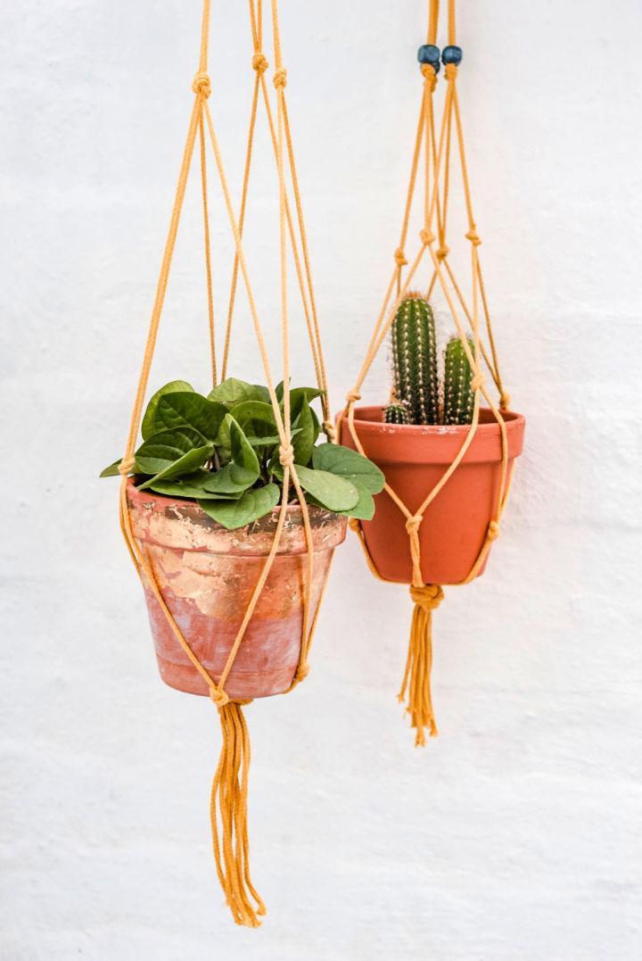 Macrame Plant Hanger with Hobbycraft