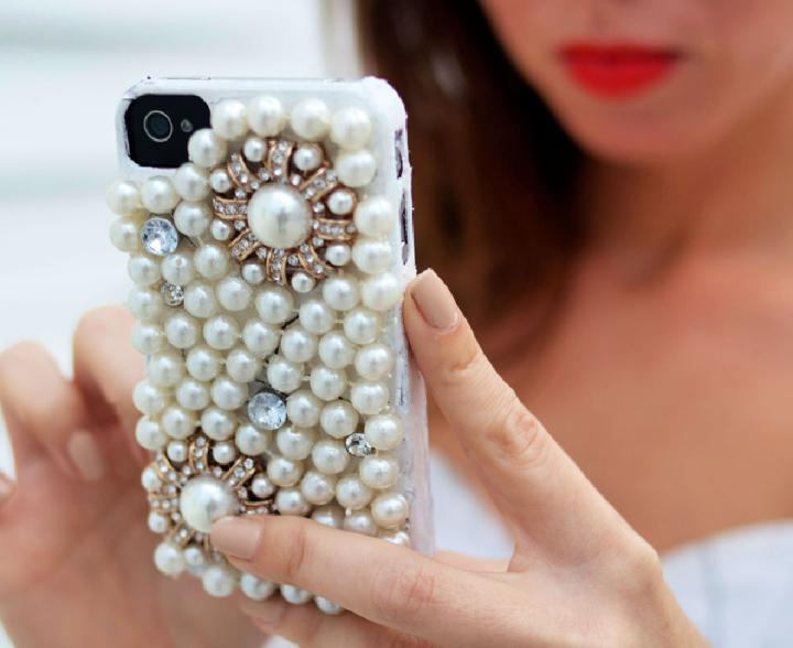 Making Pearl iPhone Case