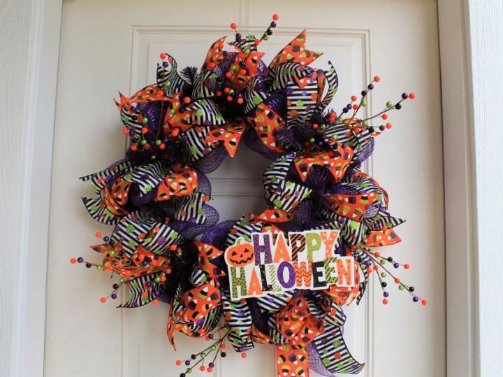 Mesh Happy Halloween Wreath