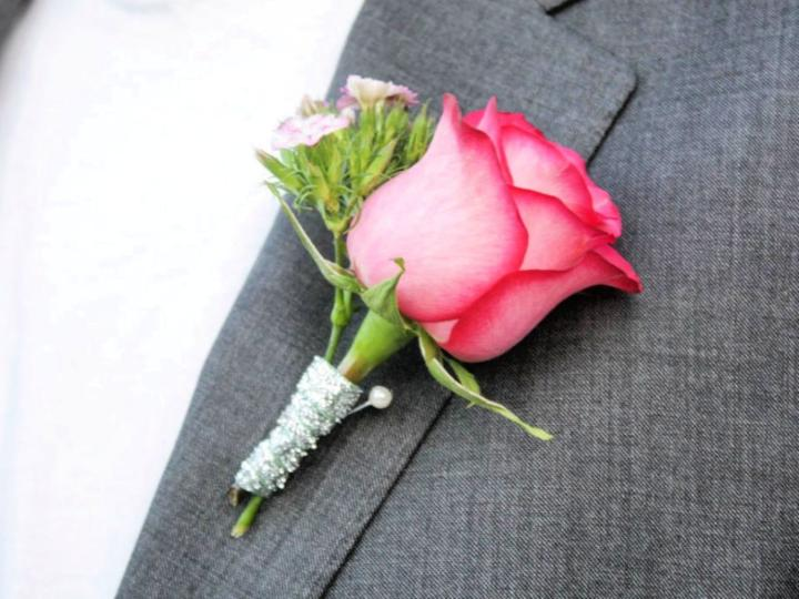 Wedding Bouquet And Boutonniere On A Budget