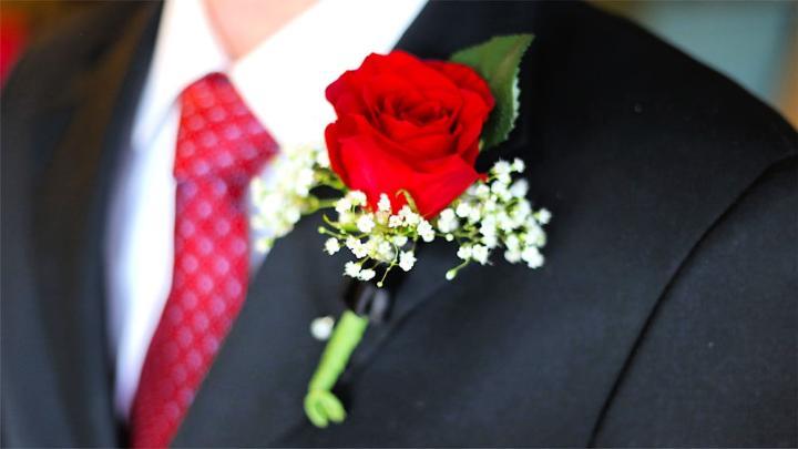 Amazing DIY Wedding Boutonniere