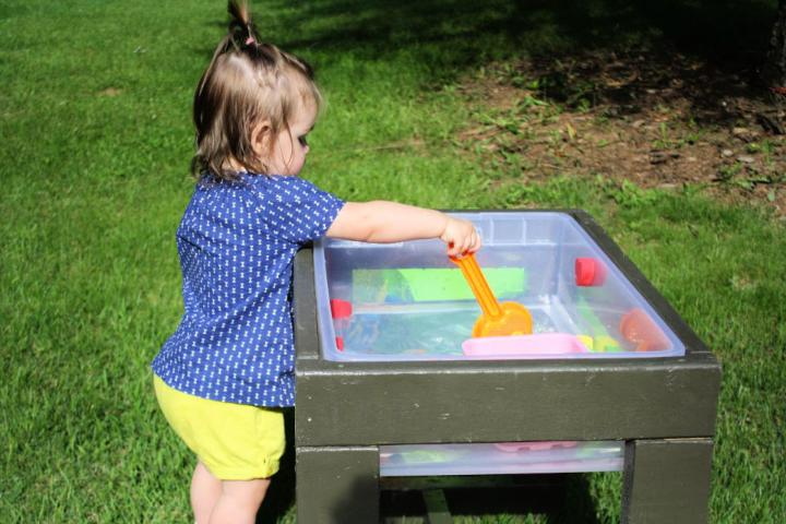 DIY Toddlers Water Table