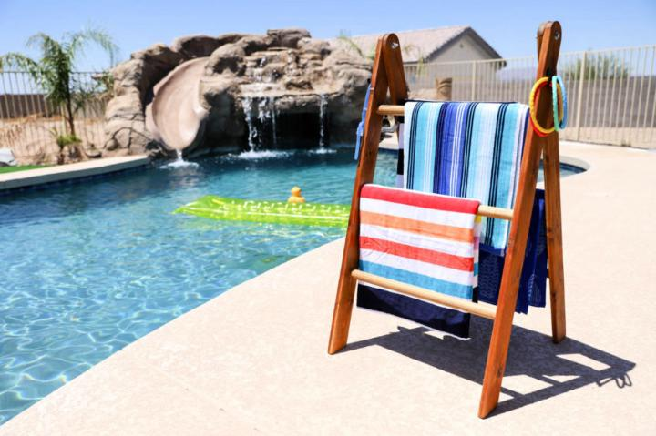 How to Build a Pool Towel Rack