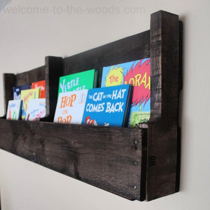 Bookshelf Made From Pallet