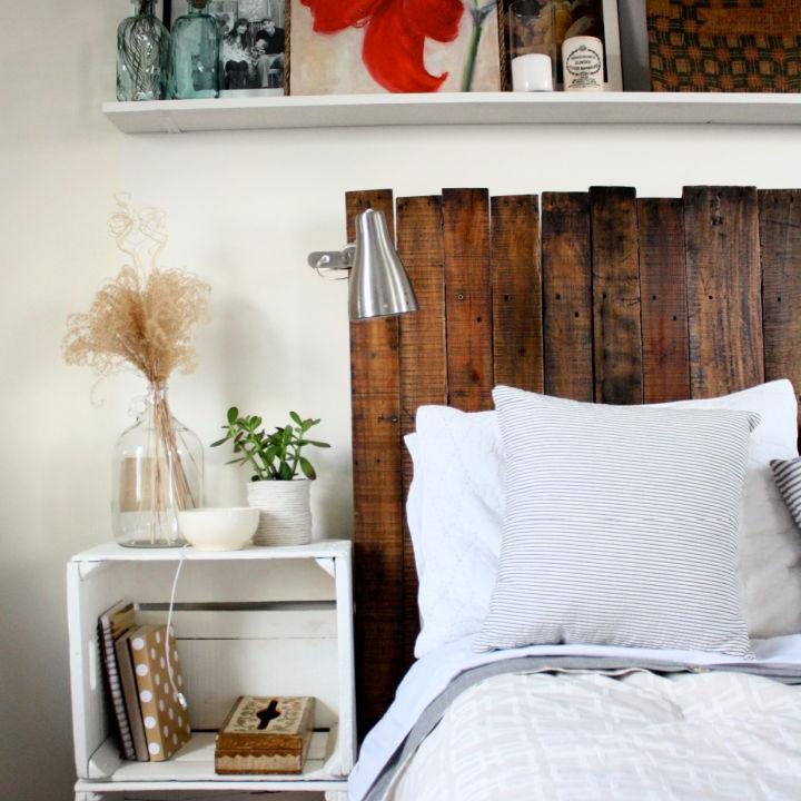 Build Your Own Pallet Headboard