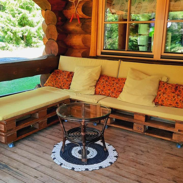 Countryside Pallet Couch