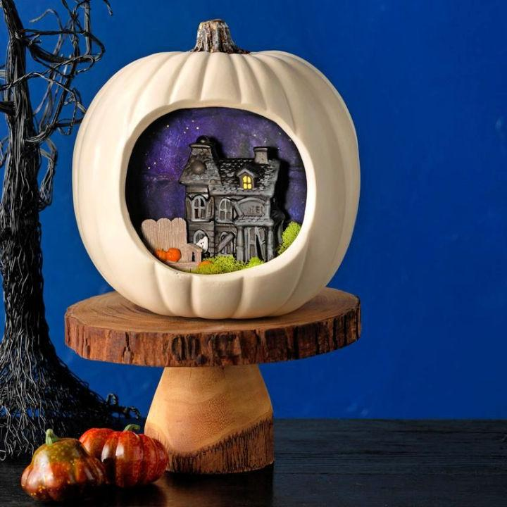 DIY Creepy Cottage Pumpkin