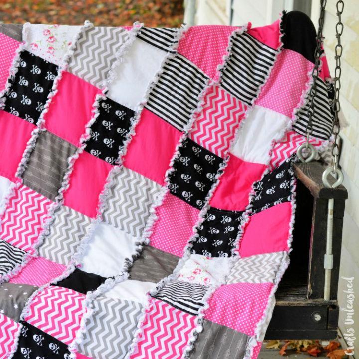 DIY Weighted Blanket Rag Quilt