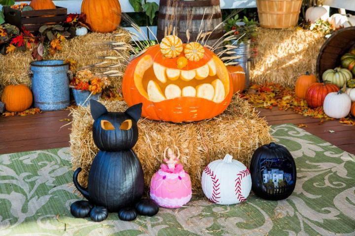 Family Pumpkin Carvings