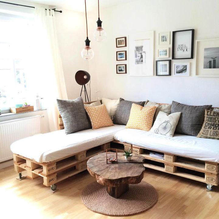 Mobile Pallet Couch