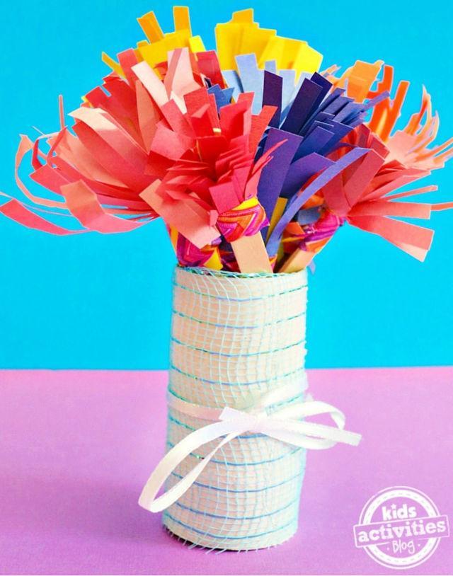 Mothers Day Construction Paper Flower Bouquet