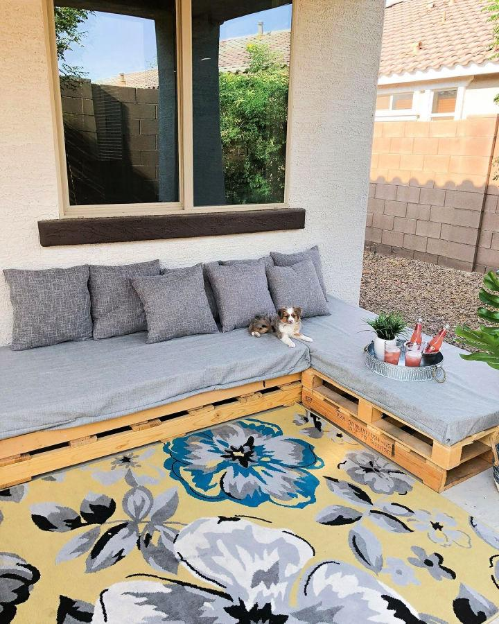 Outdoor Sectional Pallet Couch