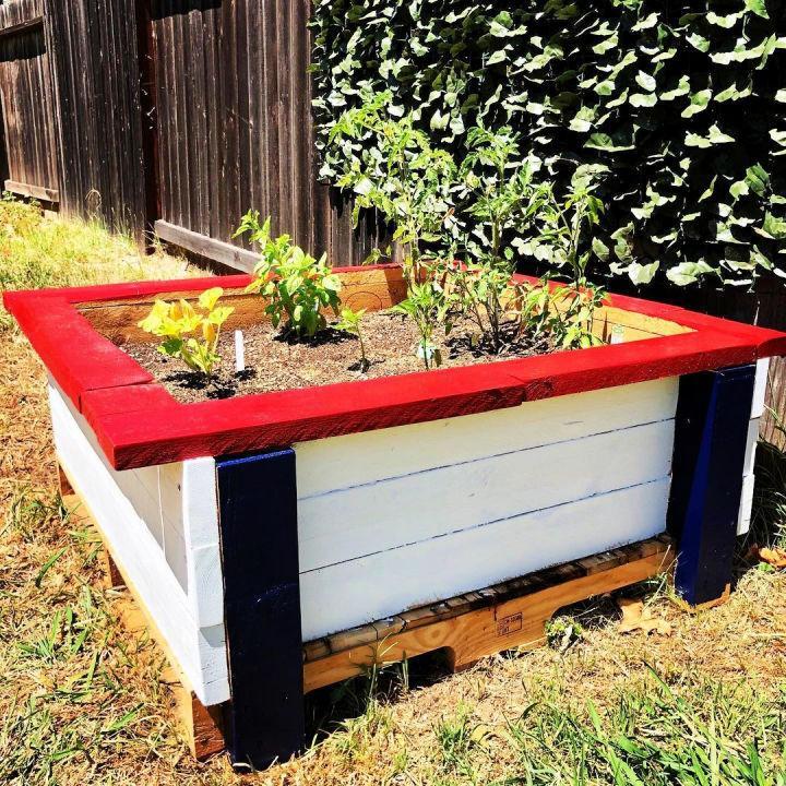 Painted Pallet Planter Box