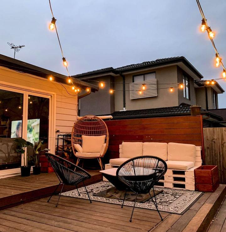 Pallet Couch For Outdoor Living