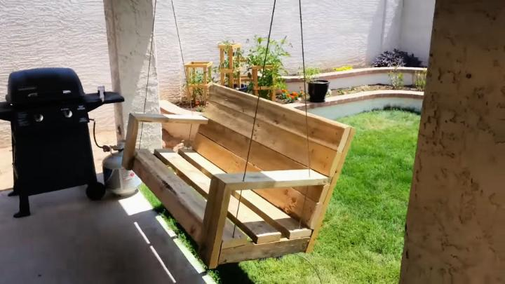Porch Swing From Old Pallet Wood
