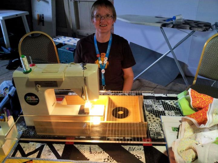 Quilters Sewing Machine Table
