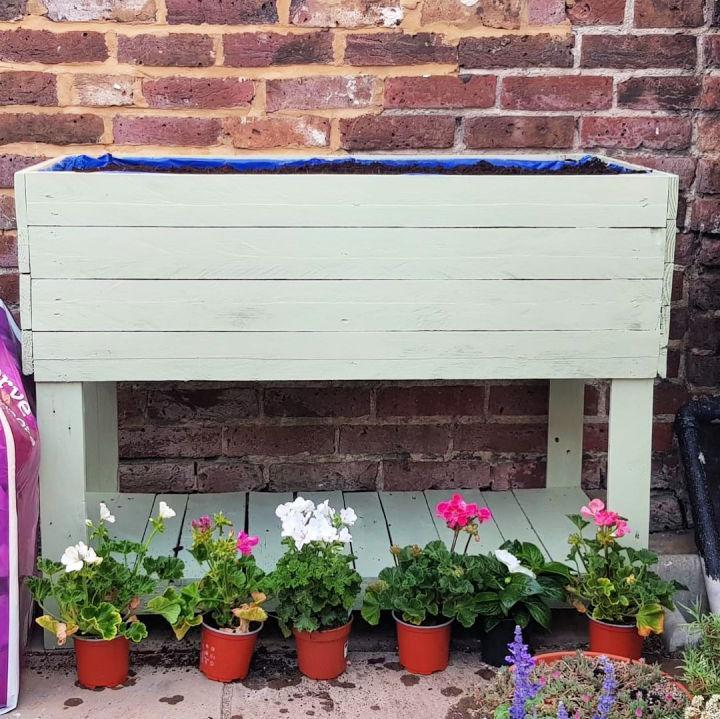 Reused Pallet Planter Box