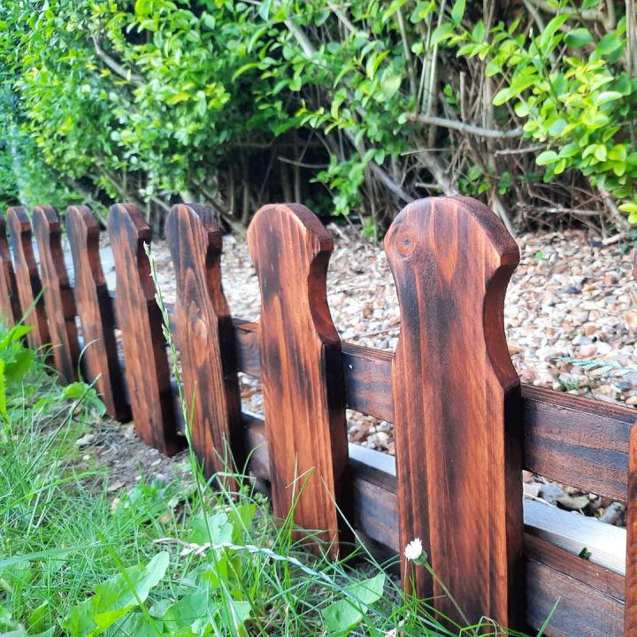 Small Picket Fence From Pallet Wood