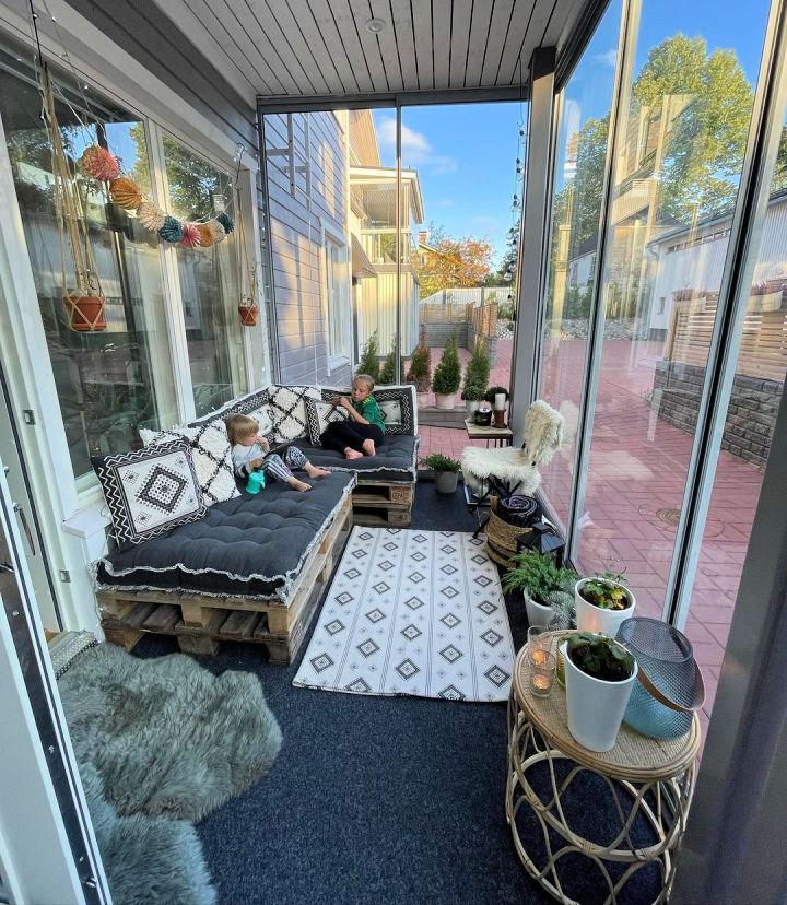 Terrace Pallet Couch