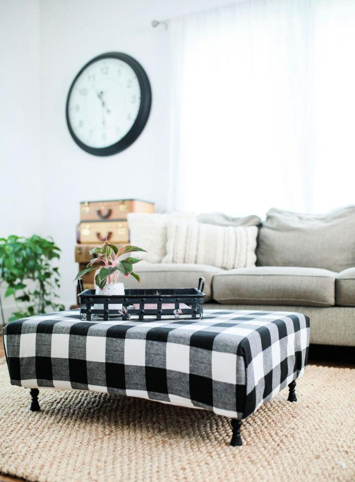 Turn A Pallet Into The Ottoman