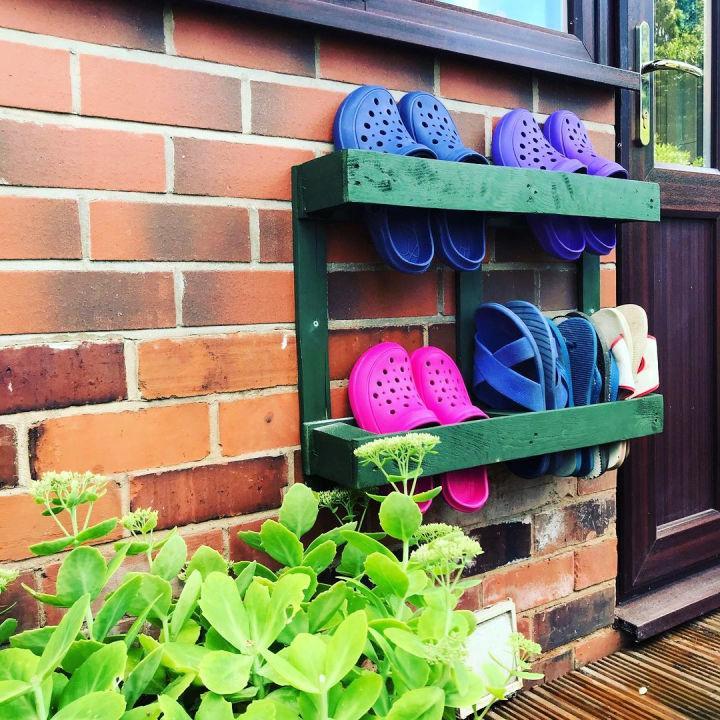 Turn Pallet Into Garden Shoe Rack