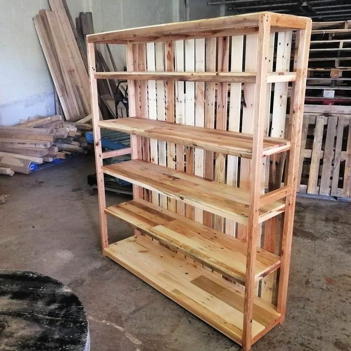 Turning Pallets Bookshelf