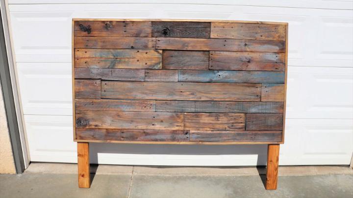 Wood Pallet Headboard